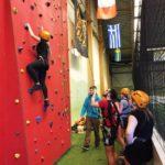 Die Kletterwand stellte eine der größeren Herausforderungen dar!
